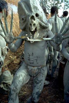 パプアニューギニアの部族01