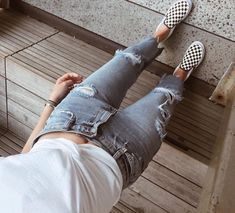 How To Wear Checkered Vans, No Matter Your Personal Style - College Fashionista - Checkered Vans and Basics Outfit Source by erbsenbaby - Outfits Con Vans, Basic Outfits, College Outfits, Outfits For Teens, Casual Outfits, Summer Outfits, Cute Outfits, Basic Ootd, Winter Outfits