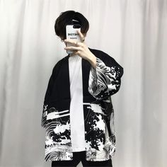 2018 summer mens kimono japanese clothes streetwear casual kimonos jackets harajuku japan style cardigan outwear - Source by hannatrutschel clothes fashion male Fashion Male, Korean Fashion Trends, Look Fashion, Korean Male Fashion, Male Street Fashion, Fashion Women, Fashion Edgy, Fashion Black, Fashion Vintage