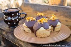 Orange peel dark chocolate muffins recipe / Reteta de briose cu ciocolata neagra si coaja de portocala.