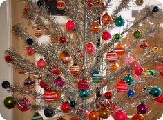 Vintage aluminum Christmas tree with vintage glass ornaments. Vintage Aluminum Christmas Tree, Christmas Mantels, Vintage Christmas Ornaments, Retro Christmas, Christmas Love, Vintage Holiday, Christmas Photos, All Things Christmas, Christmas Holidays