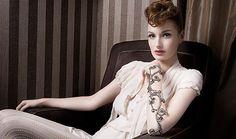 ✍ Les bijoux de peau Marbella font corps avec Dior France Tv, Concert, Dior, Ruffle Blouse, Magazine, Tops, Women, Fashion, Moda
