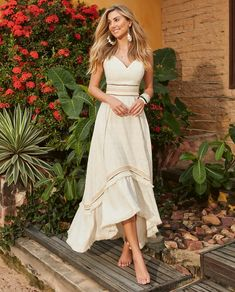 149 best modest summer outfits ideas that looks cool Formal Dresses For Teens, Casual Dresses, Short Dresses, Modest Summer Outfits, Summer Dresses, Floral Maxi Dress, Dress Skirt, Boho Fashion, Fashion Outfits