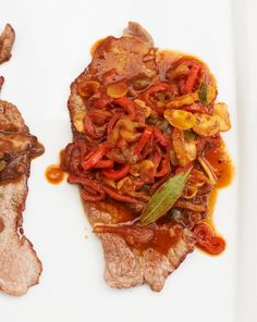 Rezept für Paprikaschnitzel bei Essen und Trinken. Und weitere Rezepte in den Kategorien Gemüse, Getreide, Gewürze, Kalb, Kräuter, Alkohol, Hauptspeise, Braten, Dünsten, Kochen, Einfach, Gut vorzubereiten.