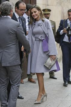 Leighton Meester wearing Nicholas Kirkwood Mira Pearl Mules in Black Nappa and Semsem Elisa Dress Princess Letizia, Queen Letizia, Womens Fashion For Work, Work Fashion, Queen Outfit, Fall Outfits, Fashion Outfits, Royal Clothing, Power Dressing