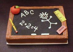 Kuchen oder Torte zur Einschulung als Kreidetafel gestalten - Todo Lo Que Necesitas Saber Para La Fiesta Cakes To Make, How To Make Cake, Teachers Day Cake, Teacher Cakes, Teacher Birthday Cake, Chalkboard Cake, School Chalkboard, School Cake, Retirement Cakes