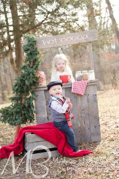I loved our cute idea for our winter mini sessions this year we turned our summertime lemonade stand into a Hot cocoa stand! #mudpiesnbutterfliesphotography #mudpiesnbutterflies #childphotographer #pa #photography