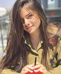 50 Beautiful Army Women With Without Uniform Looking Stunning Idf Women, Military Women, Mädchen In Uniform, Israeli Female Soldiers, Israeli Girls, Military Girl, Pretty Face, Beautiful Women, Long Hair Styles