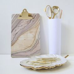Marble Clipboard tutorial @Jamie Dorobek {C.R.A.F.T.} - Just decoupage marbled paper onto a clipboard, easy! #DIY #office #organize