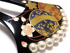 Japanese kanzashi with pearls