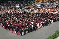 UNEV gradúa 1,058 nuevos profesionales en diversas áreas