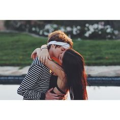 Isabela Moner with Jace Norman ❤️ Kissing!!! Aaaah