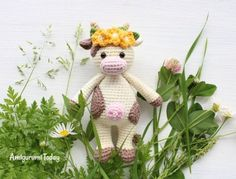 Download Cuddle Me Cow Amigurumi Pattern (FREE)