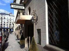 Cozy bar: Bar Tobacco Munich (by Matthew Scholl)