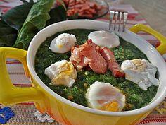 Supa crema de spanac cu bacon si oua posate de prepelita Romanian Recipes, Romanian Food, Supe, Bacon, Meat, Chicken, Salads, Pork Belly, Cubs