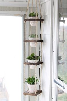 Home decor - No patio No problem You can still build a lush summer garden inside your four walls, no matter how much living space you have Weve rounded up more than a dozen indoor garden projects that take shap Decor Room, Room Decorations, Diy Home Decor, Balcony Decoration, Diy Decorations For Home, Wall Decor, Diy Crafts Room Decor, Backyard Decorations, Hanger Crafts