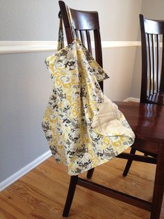 Great nursing cover (same as Hooter Hider) tutorial from: http://www.blisstree.com/2010/06/03/sex-relationships/free-pattern-to-sew-your-own-nursing-cover/. Super easy and cheap! #baby #sewingprojects #gift #nursingcover #hooterhider