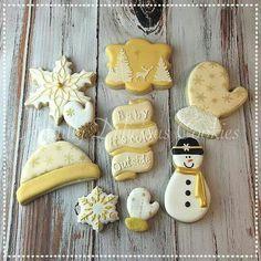 Artfully Delicious Cookies:  Snowman / Snowflake theme cookies.