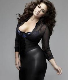 Ashley Graham Bra Size, Measurements, Height and Weight