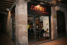 "We had tapas at the ""Tapeo, antem de tapes"" restaurant on C/Montcada in Barcelona (and liked it very much :-) Tapas, Barcelona Catalonia, Spain And Portugal, Great Restaurants, Places Ive Been, Trip Advisor, City, Wanderlust, Spain"
