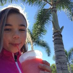 Sunny and 65 here in Florida! The strawberry smoothies here are amazing! Katie Donnelly, Coral Girls, Bratayley, Best Fan, Youtube Stars, Pretty Wallpapers, Loving U, Glass Of Milk, Youtubers