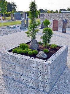 potager sureleve en gabions cages et treillis avec pierres. Black Bedroom Furniture Sets. Home Design Ideas
