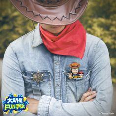 今日我最帥!! 胡迪能寫還能耍帥!!  #woody #pen #ToyStory #Pixar @familymart
