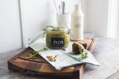 Easy Rucola Pesto Recipe with walnuts and dried tomatoes