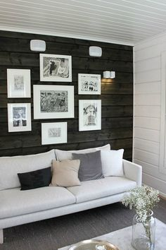 living room with dark walls Living Space With Dark Dramatic Walls: Thirty Ideas Cheap Living Room Sets, Living Room Colors, Small Living Rooms, Living Room Decor, Living Spaces, Log Home Interiors, Accent Wall Bedroom, European Home Decor, Sombre