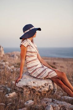 Easy cotton dress for lounging by the sea. Confezioni Crosby SS13.