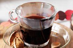 Varm vinbärsglögg – recept på hemkokt glögg