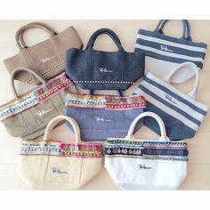 Instagram media yuuka.k - #Collection  今日は晴れているので換気がてらクローゼットのお片付け。  長年かけて集まったRonhermanのトートバッグたち⋆  よく使うものからほとんど使っていないものまで笑  大切に保管してます❤︎ 収納は無印のブックスタンドに立てて並べて取り出しやすく◡̈ #Ronherman #ロンハーマン #RH #トートバッグ #totebag #コイントート #限定 #favorit #bag #closet #instagood #instapic #fashion #love #yuuka_closet
