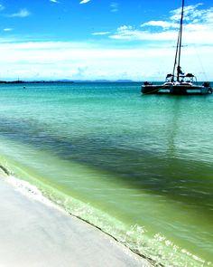 Isla Larga es una isla de Venezuela ubicada frente a las costas del estado Carabobo en las inmediaciones de la ciudad de Puerto Cabello