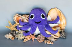 Stubby the squid Stuffed Toy Tutorial September 2016 by Kerby and Lura Schwarz Smith Felt Patterns, Stuffed Toys Patterns, Sewing Patterns Free, Free Sewing, Free Pattern, Sewing Projects For Kids, Fun Projects, Project Ideas, Craft Ideas