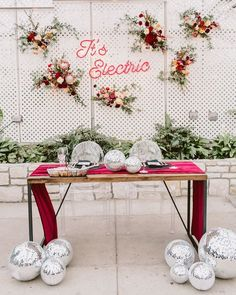 I've got one word for you today: CREATIVITY. Earlier this week, we shared Part 1 of our favorite 2020 wedding trends and today we are dishing out the rest! Wedding Paper, Wedding Table, Wedding Reception, Wedding Trends, Wedding Blog, Wedding Ideas, Farm Wedding, Wedding Couples, Wedding Planning