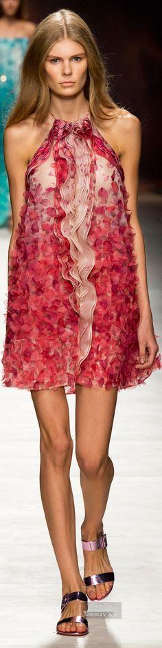 Bloom inspiration for Italian brand BLUMARINE, Spring 2015