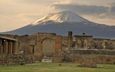 Pompei was one of the mai centre of the Roman Empire. today it is possible to reach the suggestive ruins of the #antique #city by the Circumvesuviana road.