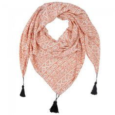 Get the springvibe with this awesome shawl. Shop It's A Spring Thing Shawl @ www.myfavouritemusthaves.com