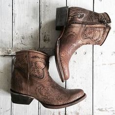The peach skin — Biskopsgarden Knee High Boots Sale, Boots For Sale, Cowgirl Boots, Western Boots, Western Style, Estilo Country Chic, Cute Shoes, Me Too Shoes, Botas Boho