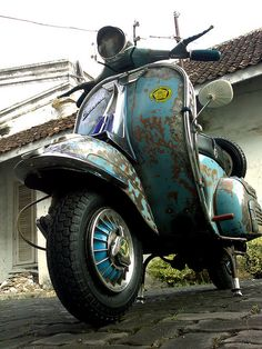 my vespa from indonesia with scoot! Vespa Motor Scooters, Piaggio Scooter, Vespa Lambretta, Vespa Motorcycle, Bike, Custom Rat Rods, Vespa 150, Honda Ruckus, Small Cars