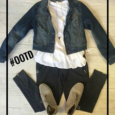 Have a pair of joggers just sitting in your closet because you have no idea how to style them??? Well take a little inspiration from us! Recreate this casual chic #OOTD today!  #platosclosetchitown#platosclosetlincolnpark#platoscloset#outfitoftheday#cool#style#look#outfit#casual#chic#ontrend#trendy#bestshopping#styleforless#resalefashion#follow#like#likes#thrifting#getmoreforless#awesome#cute#instadaily#instacool#instagood#instagram#instapic#doubletap http://ift.tt/2ggfz7d…