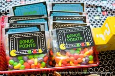 Want to plan an arcade birthday party but still have it stand out as creative & original? Elizabeth of Lemonberry Moon has some fabulous ideas for you!