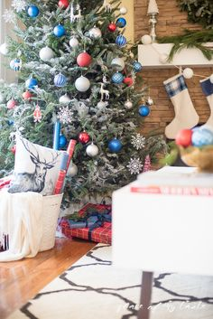 CHRISTMAS HOME TOUR 2015{ Blogger Stylin' Home Tours} - Place Of My Taste