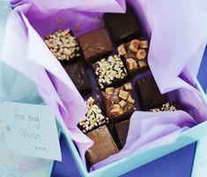 How to Make Fudge With Condensed Milk, Desserts - Easy Chocolate Fudge | Nestlé Carnation