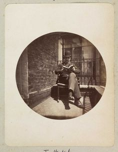 CIRCULAR SNAPSHOTS  Readers in the round: via Letterology (Images and text courtesy of The National Media Museum)