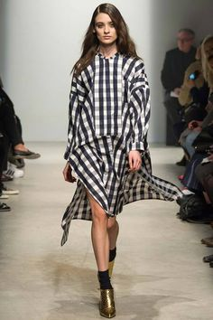Maison Rabih Kayrouz F/W 2014, checkered black and white dress, metallic gold mules, socks