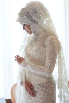 She looks like a bride....