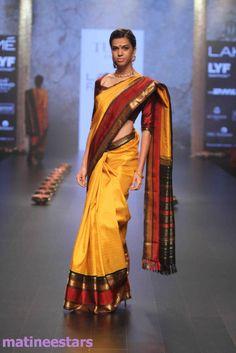 Models Walks For Santosh Parekh At Lakme Fashion Week Winter Festive 2016 - Hot Models Photo Gallery - High Resolution Pictures 20