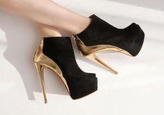 Ankle boots preto com dourado