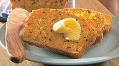 Gluteeniton porkkana-siemenleipä